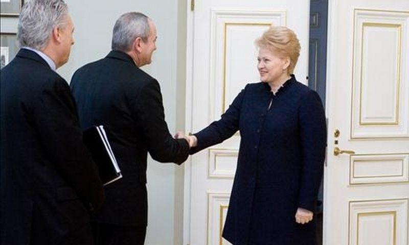 """""""Chevron"""" pas Dalią Grybauskaitę"""