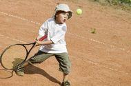 �rodyta, kad vaikyst�je ir paauglyst�je geriausi Vokietijos tenisininkai nepasi�ym�jo ypatingais talentais.