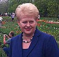 Dalia Grybauskaitė, Lietuvos Respublikos Prezidentė, Burbiškio dvare atidarė Tulpių žydėjimo šventę.