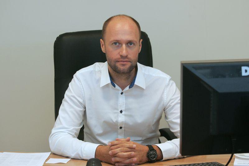 """Mantas Jančauskas, UAB """"Domus Lumina"""" savininkas: """"Planuojame naujo gamybos pastato savo teritorijoje statybas, kad visi procesai būtų efektyvesni, nes gamybą ir sandėlius sutelktume po vienu stogu."""" Indrės Sesartės (VŽ) nuotr."""