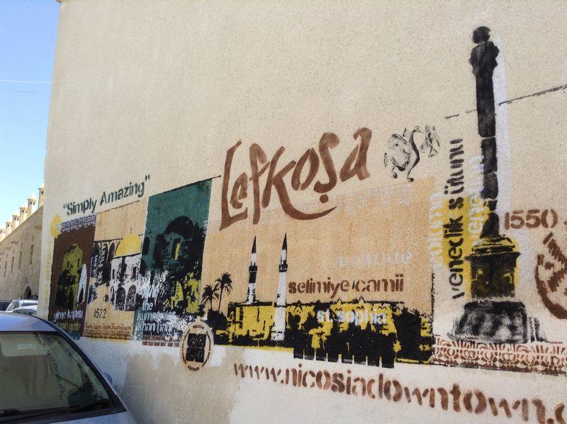 Šiaurės Kipre Nikosija oficialiai vadinama Lefkoša, tačiau gatvėse dažniau išgirsi senąjį miesto pavadinimą. Agnės Kriščiukaitytės (VŽ) nuotr.