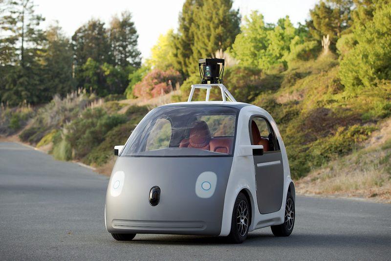 """""""Apple"""", kaip ir """"Google"""", """"Tesla"""" ir """"Uber"""", taikosi sukurti autonominį automobilį. """"Google Inc."""" / """"Reuters"""" / """"Scanpix"""" nuotr."""