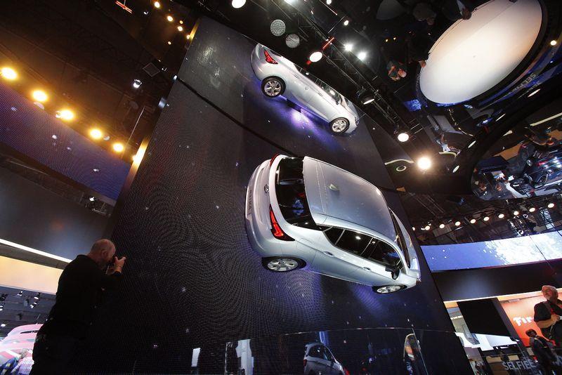 Frankfurto automobilių parodoje paskelbta, kas pretenduoja tapti pasaulio metų automobiliu. Vladimiro Ivanovo (VŽ) nuotr.