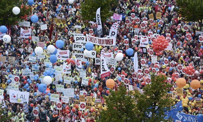 "Demonstracija Helsinkyje.  (""Reuters"" / ""Scanpix"") nuotr."