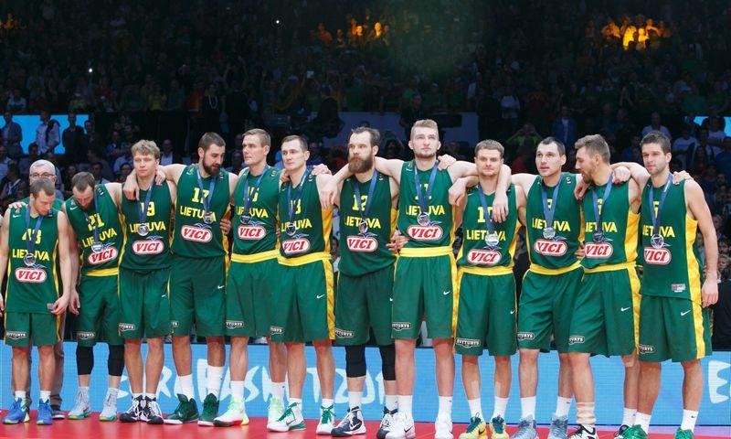 Europos krepšinio čempionato finalas. Prancūzijoje Lilio mieste, Pierrie Mauroy arenoje susitiko Lietuvos ir Ispanijos krepšinio rinktinės.
