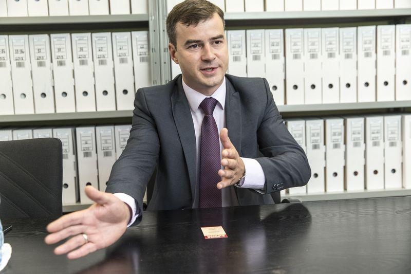 """Andrejus Trušakovas, """"Dussmann Service"""" generalinis direktorius, mano, kad vietos turėtų užtekti visiems, nes maitinimo tiekimo rinka yra sparčiai auganti, įmonės iš dalies specializuojasi tiekti paslaugas skirtingiems klientams. Vladimiro Ivanovo (VŽ) nuotr."""