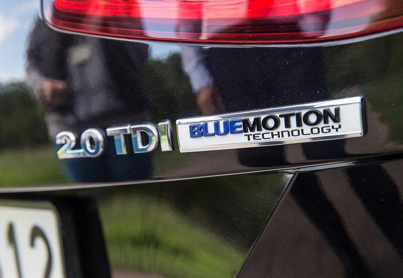 """Skelbiama, kad """"Volkswagen"""" įrangą, atpažįstančią, kada automobilis bandomas, įrengė 2 l darbinio tūrio dyzelinius variklius turinčiuose modeliuose. Juditos Grigelytės (VŽ) nuotr."""
