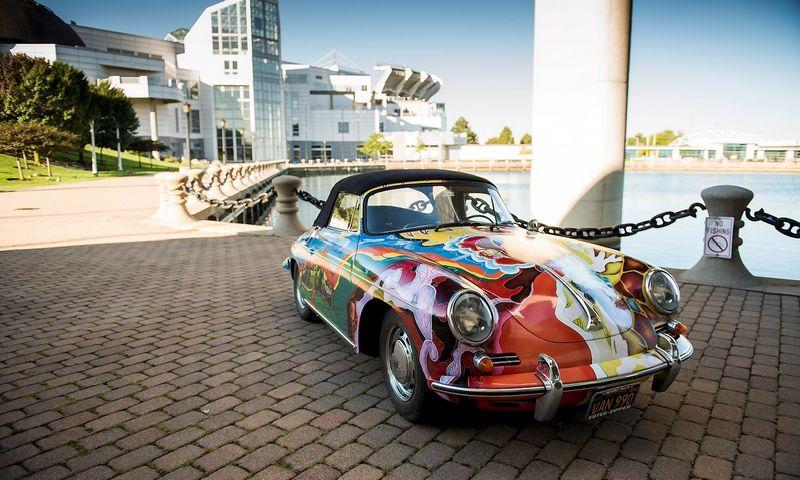 "Legendinės bliuzo atlikėjos Janis Joplin ""Porsche"" kabrioletas. Darin Schnabel (""Reuters"" / ""Scanpix"") nuotr."