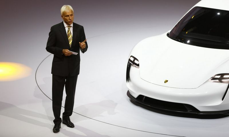 "Matthiasas Muelleris, ""Porsche"" vadovas, vadinamas realiausiu kandidatu tapti ""Volkswagen"" koncerno vadu. Kai Pfaffenbacho (""Reuters"" / ""Scanpix"") nuotr."