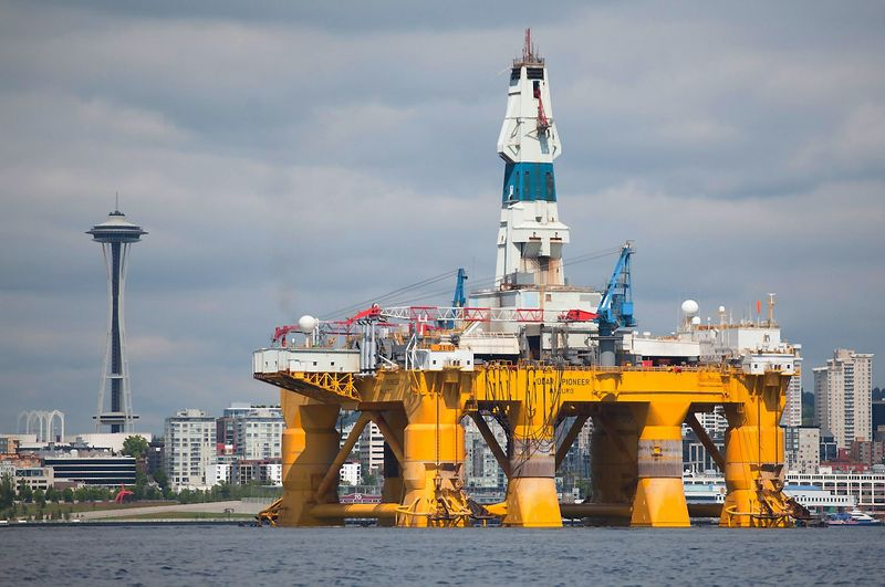 The Shell Oil Company's arctic drilling rig Polar Pioneer is shown in Seattle, Washington, in this file photo taken May 14, 2015.   Matt Mills McKnight (Reuters / Scanpix)