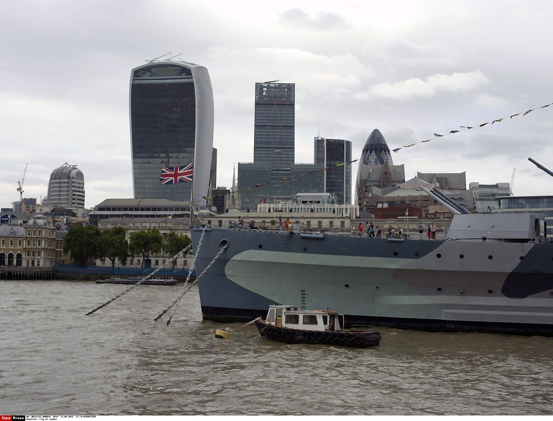 U.K. Economy Regains Recession Losses as Wealth Increases