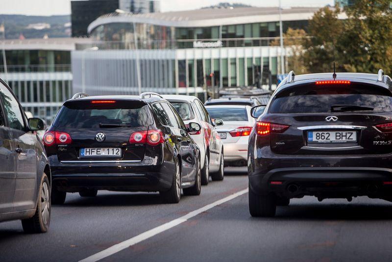 Skelbiama, kad per rugsėjį lietuviai įregistravo penktadaliu daugiau automobilių nei praėjusiais metais. Juditos Grigelytės (VŽ) nuotr.