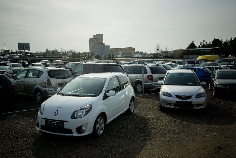 Vos penktadalis lietuvių automobilio ieško turguje, dauguma – skelbimų portaluose. Vladimiro Ivanovo (VŽ) nuotr.
