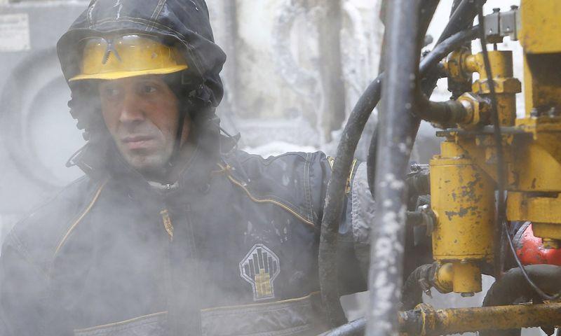 """Rusija nebepuoselėja vilčių savomis jėgomis užkariauti Arktį. Sergejaus Karpuchino (""""Reuters"""" / """"Scanpix"""") nuotr."""