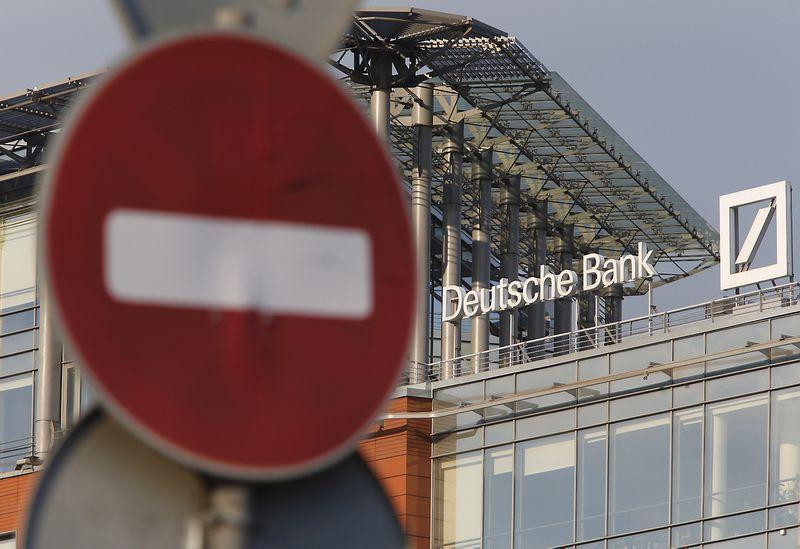"""""""Deutsche Bank"""" iškelia iš Rusijos didžiąją dalį operacijų. Sergejaus Karpuchino (""""Reuters"""" / """"Scanpix"""") nuotr."""