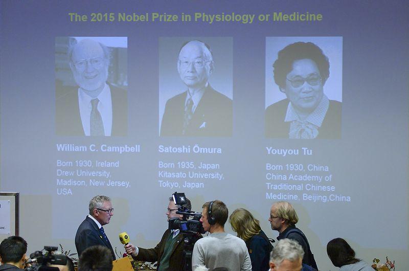 """Nobelio medicinos premijos laureatų paskelbimo ceremonija. """"Reuters"""" / """"Scanpix"""" nuotr."""