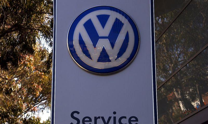"""""""Volkswagen"""" vadovybė jau šį trečiadienį aptarinės vidinio tyrimo dėl taršos skandalo išvadas. Davido Gray (""""Reuters"""" / """"Scanpix"""") nuotr."""