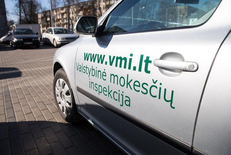2015 03 17. Valstybinės mokesčių inspekcijos automobilis. Juditos Grigelytės nuotr.