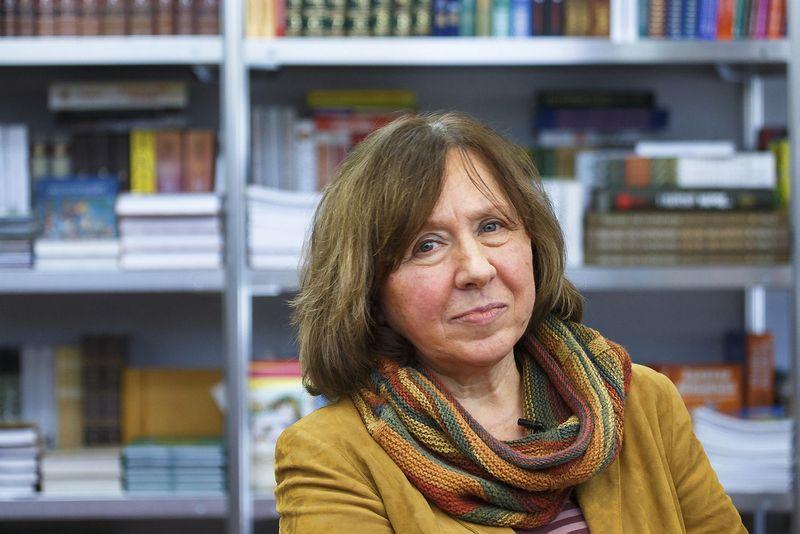 "Svetlana Aleksijevič, 2015 m. Nobelio literatūros premijos laureatė. (""Reuters"" / ""Scanpix"") nuotr."