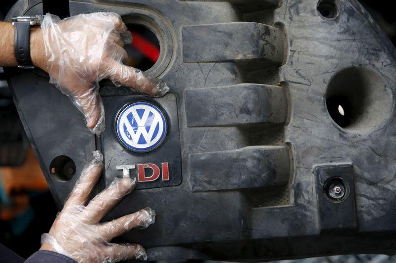 """Detalės, reikalingos """"Volkswagen"""" 1,6 l darbinio tūrio dyzelinių variklių remontui, bus gautos tik kitąmet rugsėjį. Dado Ruviciaus (""""Reuters"""" / """"Scanpix"""") nuotr."""