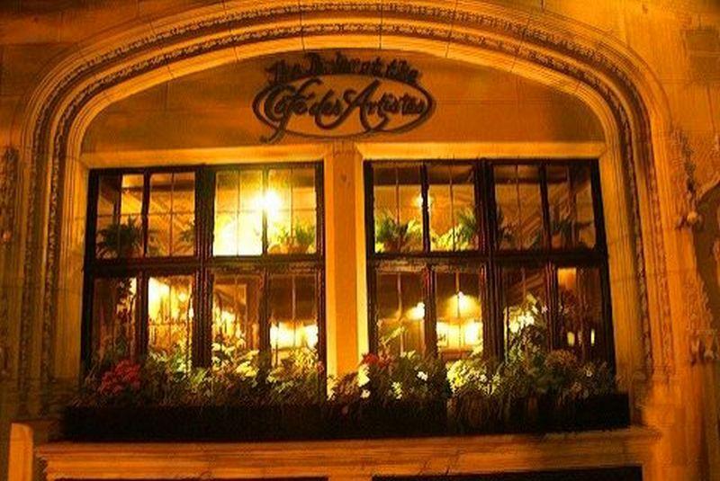 "Pirmasis sustojimas – bohemos nusėdėta ""Café des Artistes"". ""Café des Artistes"" nuotr."