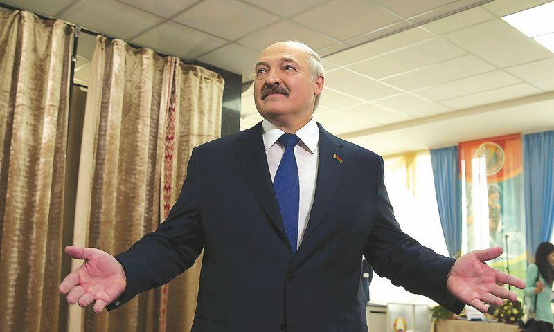 """Aliaksandras Lukašenka, perrinktasis Baltarusijos prezidentas, pastaruoju metu nevengė pareiškimų, gilinusių takoskyrą tarp Minsko ir Maskvos.  VASILIJAUS FEDOSENKOS (""""REUTERS"""" / """"SCANPIX"""") NUOTR."""