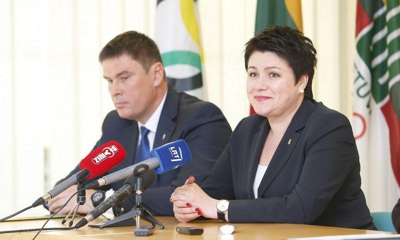 Misijos vadovas Einius Petkus ir LTOK prezidentė Daina Gudzinevičiūtė. Vladimiro Ivanovo (VŽ) nuotr.