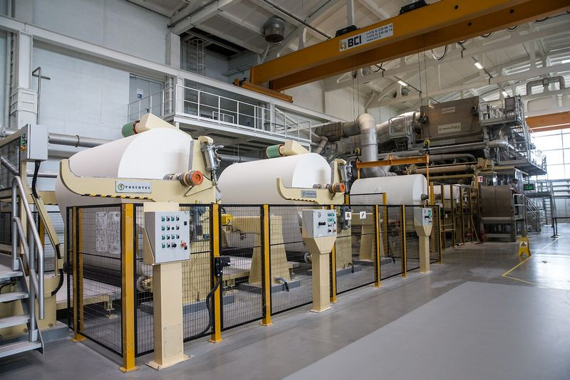 """Popieriaus gamybos AB """"Grigiškės"""" atidarė  moderniausią gamybos cechą Baltijos šalyse. Juditos Grigelytės (VŽ) nuotr."""