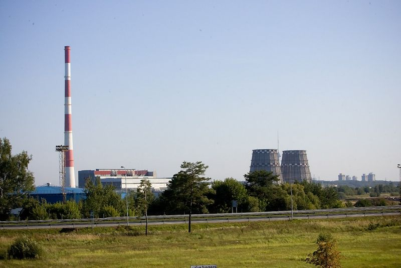 Vilniaus elektrinė-3, arba Vilniaus termofikacinė elektrinė, VE-3 – šiluminė elektrinė Vilniuje, prie Gariūnų turgaus, Jočionyse. Vladimiro Ivanovo (VŽ) nuotr.