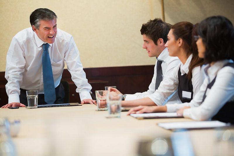 """Jauni ambicingi darbuotojai dažnai neketina paklusti esamoms taisyklėms ir priešinasi nustatytai tvarkai. """"Matton"""" nuotr."""