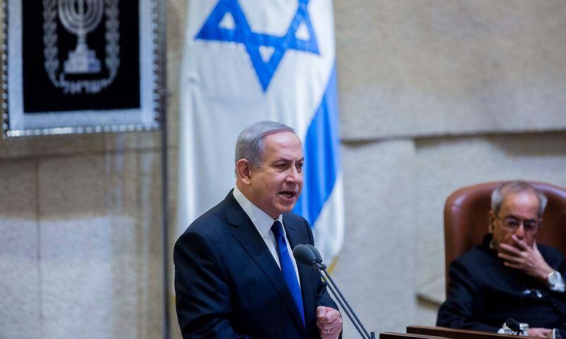 Israeli Prime Minister Benjamin Netanyahu (C) adresses the Israeli parliament during a special session at the Knesset (Israeli parliament) in Jerusalem, on Oct. 14, 2015. (Xinhua / SIPA / Scanpix)