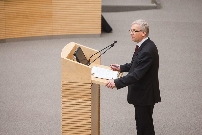 Rimantas Šadžius, finansų ministras, Seime pristato biudžeto projektą. Juditos Grigelytės (VŽ) nuotr.