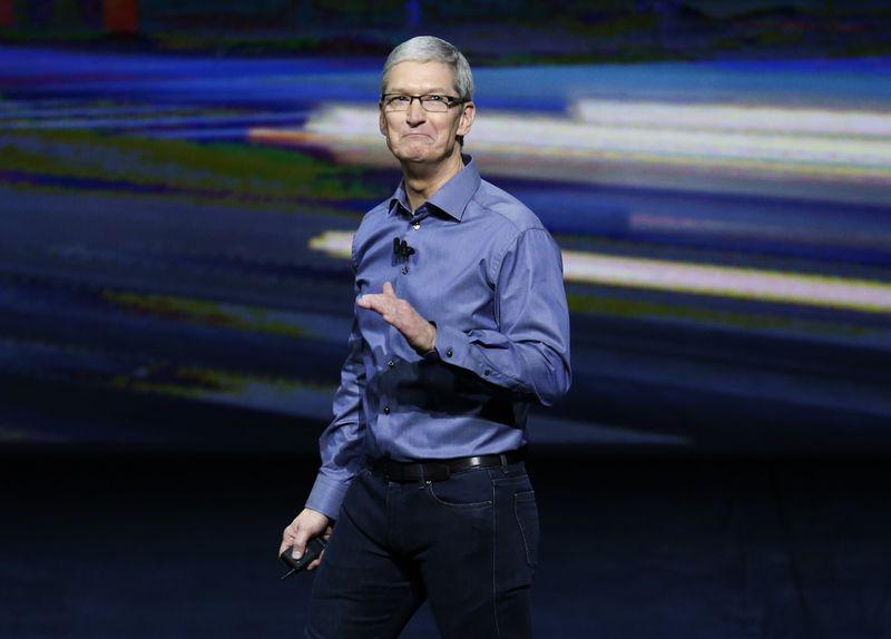 "Timas Cookas, ""Apple"" generalinis direktorius. ""Scanpix""/""Reuters"" nuotr."
