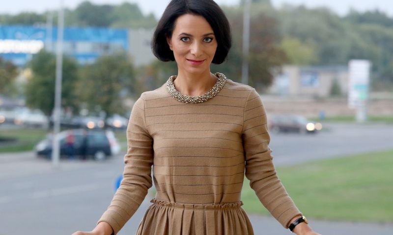 """Žaklina Aišparienė, drabužių nuomos svetainės """"Rent Boutique"""" verslo plėtros vadovė: """"Moterys nori nuomotis drabužius ne tik šventėms, bet ir kasdienai."""" Algimanto Barzdžiaus (VŽ) nuotr."""