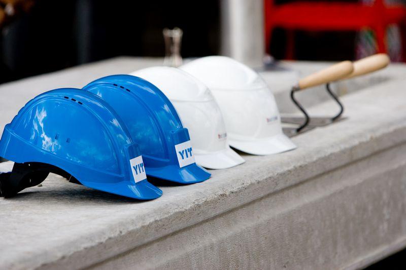 Saugumas darbo vietoje priklauso nuo dviejų veiksnių – darbdavio kontrolės ir darbuotojų sąmoningumo. Juditos Grigelytės (VŽ) nuotr.