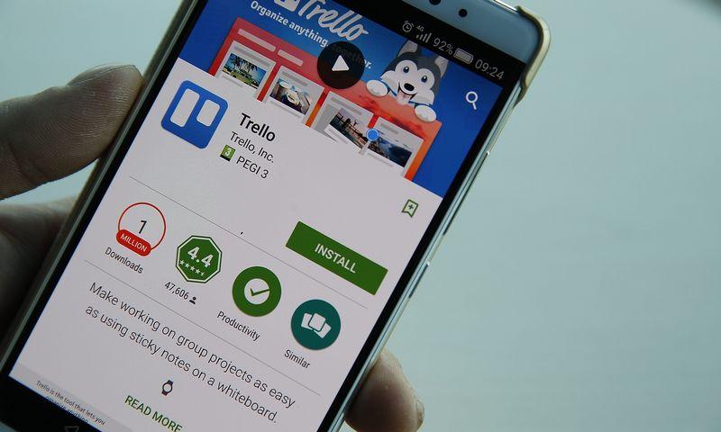 """""""Trello"""" suderinamas ne tik su """"Android"""" įrenginiais, bet ir su """"iOS"""", įrankis taip pat pasiekiamas per interneto naršyklę. Vladimiro Ivanovo (VŽ) nuotr."""