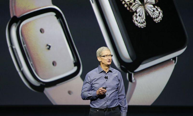 """Timas Cookas, """"Apple"""" vadovas. Becko Diefenbacho (""""Reuters"""" / """"Scanpix"""") nuotr."""