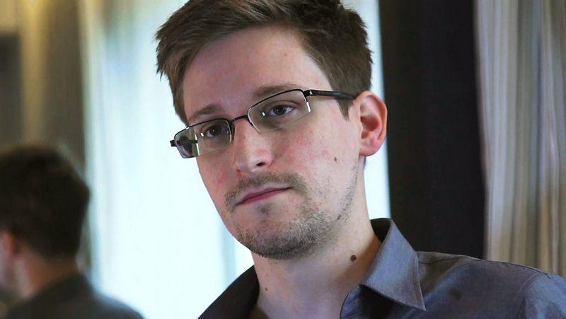 """Edwardas Snowdenas, buvęs JAV Nacionalinės saugumo agentūros darbuotojas. Glenno Greenwaldo (""""Reuters"""" / """"Scanpix"""") nuotr."""