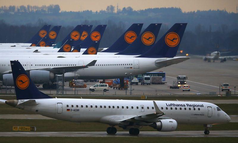 """Vokietijos """"Lufthansos"""" trečiojo ketvirčio pelno augimas – palankių aplinkybių rinkoje rezultatas.  Michaelo Dalderio (""""Reuters"""" / """"Scanpix"""") nuotr."""