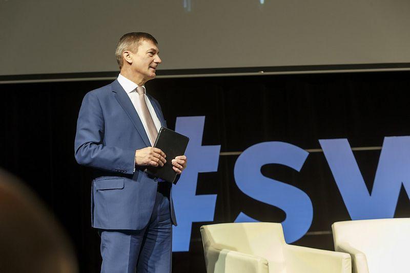 """""""Bendra skaitmeninė rinka Europoje kol kas neegzistuoja"""", – sako Europos Komisijos vicepirmininkas Andrusas Ansipas. Vladimiro Ivanovo (VŽ) nuotr."""