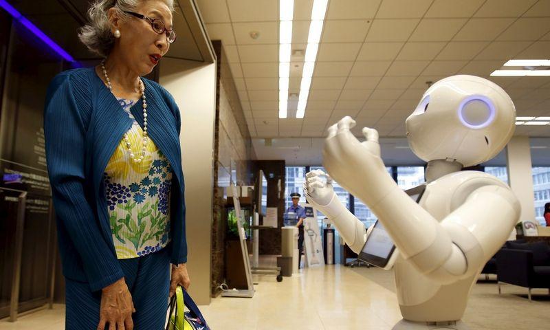 """Robotų šalis Japonija daugeliu atžvilgiu yra inovacijų besibaidanti valstybė. Yuya Shino (""""Reuters"""" / """"Scanpix"""") nuotr."""