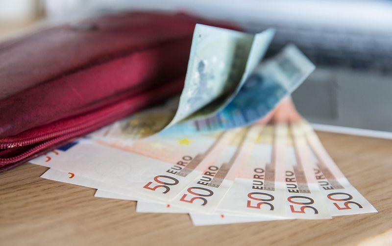 2015 08 17. Eurai - bendra Europos Sąjungos šalių valiuta. Juditos Grigelytės (VŽ) nuotr.