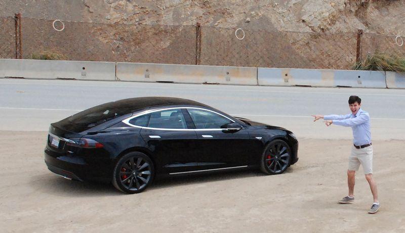 """Dalytis apsimoka – """"Tesla"""" vos už35 JAV dolerius per valandą. Adomo Trakšelio nuotr."""