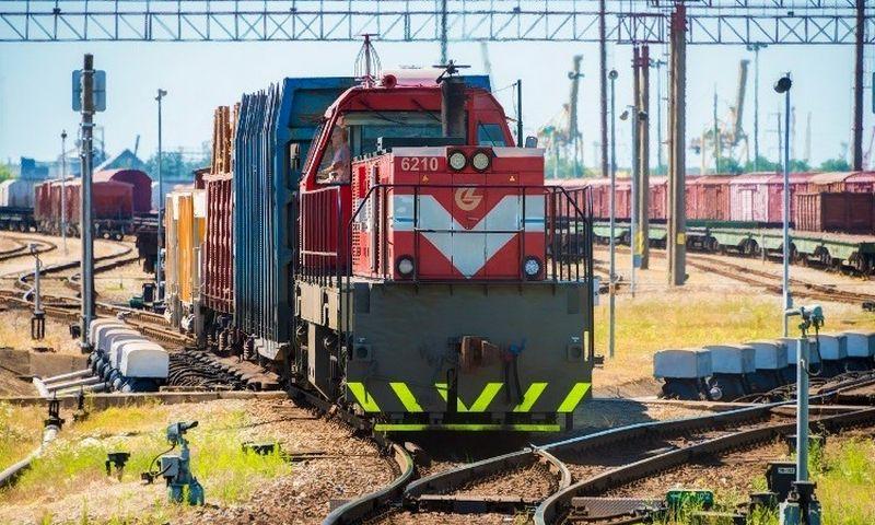 Įmonės lokomotyvų parką sudaro iš viso 221 šilumvežis.