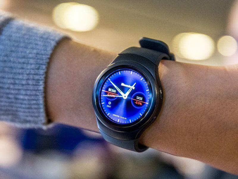"""Išmanusis laikrodis """"Samsung Gear S2"""". Juditos Grigelytės (VŽ) nuotr."""