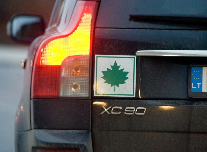 Seimas siūlo pradedantiesiems riboti automobilių galią, tačiau klausimų dėl tokio pasiūlymo daugiau nei atsakymų. Juditos Grigelytės (VŽ) nuotr.