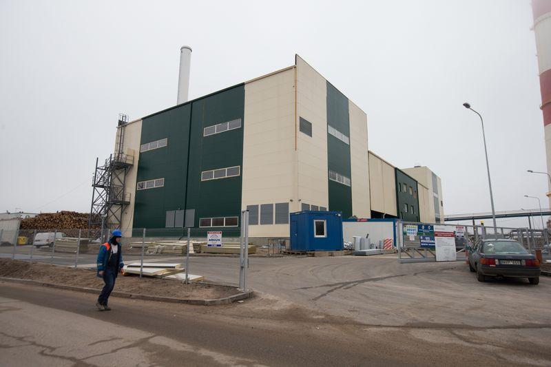 """Idėja sukurti konkurenciją šilumos ūkyje, kuri pirmiausia buvo skirta """"Vilniaus energijos"""" monopoliui suardyti, sėkmingai pasinaudojo ir su """"Vilniaus energija"""" susijusios ICOR grupės akcininkai, kurie per susijusias įmones investavo į dvi biokuro katilines Vilniuje.  Juditos Grigelytės (VŽ) nuotr."""