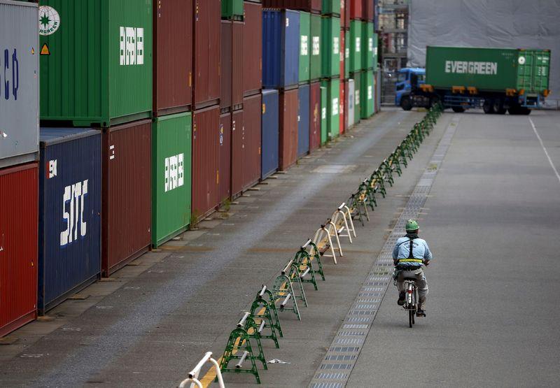 """EBPO ekspertams daugiausiai nerimo kelia lėtėjanti prekyba. Prognozuojama, kad jos apimtys šiais metais augs 2%. """"Reuters"""" / """"Scanpix"""" nuotr."""