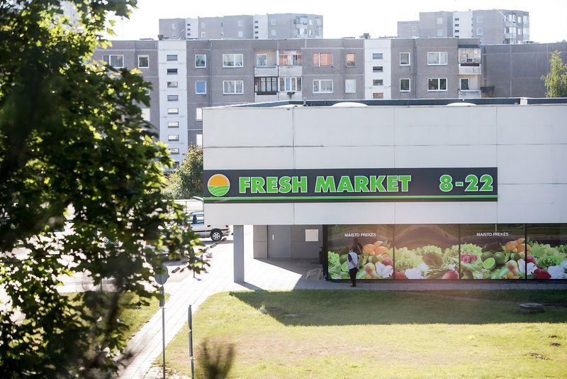 """2015 09 10. Mažmeninės prekybos UAB """"Fresh Market"""" parduotuvė Vilniuje, Fabijoniškėse. Juditos Grigelytės (VŽ) nuotr."""
