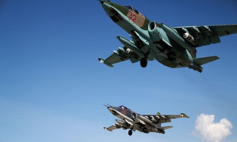 Rusijos lėktuvai Sirijoje pusiausvyros nesugriovė, tik davė laikiną taktinį pranašumą vyriausybininkų pajėgoms. Dmitriy Vinogradov (RIA Novosti) nuotr.